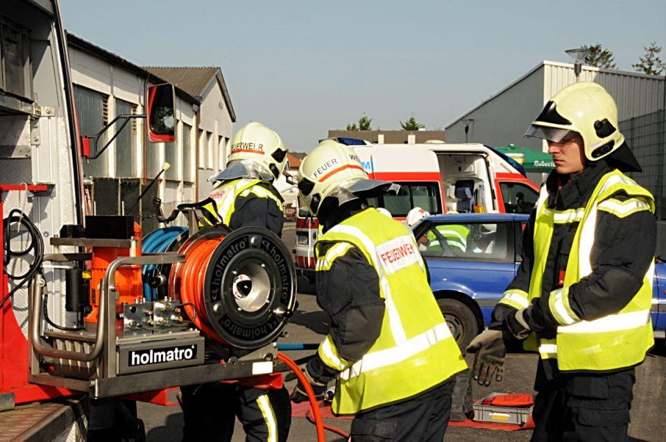 Das hydraulische Rettungssystem wird vorbereitet.