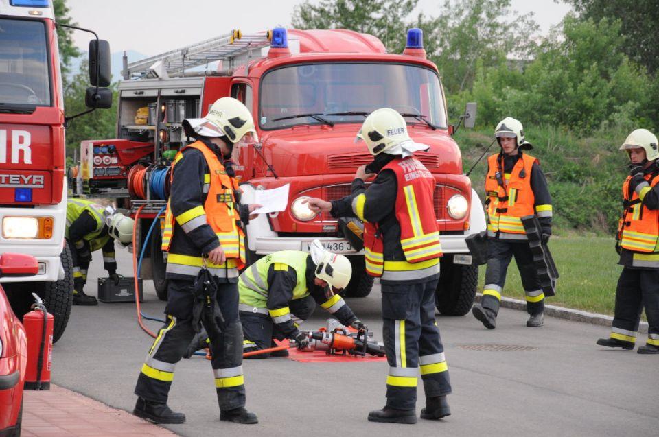 KOMM AUCH DU ZUR FEUERWEHR!Du bringst die körperliche Eignung (allgemeine Tauglichkeit für den Feuerwehrdienst) mit und bist bereit  neue spannende Themengebiete und Leute kennen zulernen und 15 Jahre alt? Dann komm zu unserer Freiwilligen Feuerwehr! #112live #leopoldsdorf112 #notruf #122