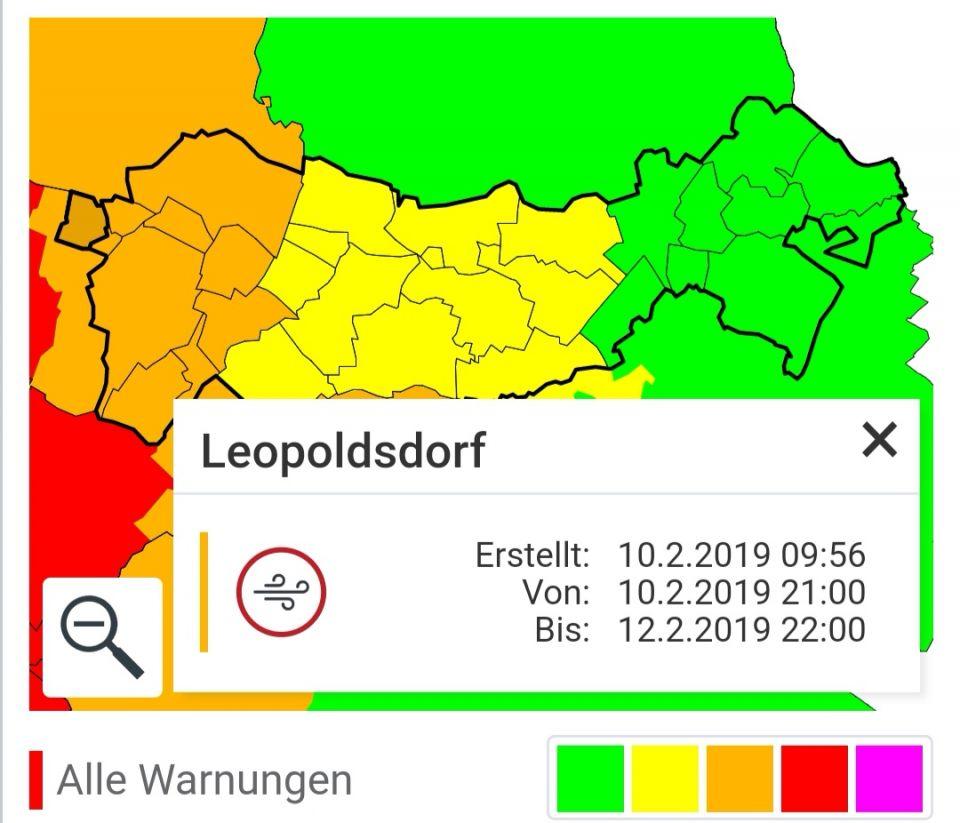 """+++ Sturm UWE bringt Böen von bis zu 100 km/h +++ Zur Abwechslung wird es wieder mal stürmisch. Verantwortlich dafür zeichnet sich das Sturmtief UWE. """"In der Nacht frischt der Wind schließlich auch im Donauraum und in östlichen Flachland stürmisch auf. Verbreitet muss man mit der Front mit Böen von 70 bis 90 km/h rechnen, im Wiener Becken sind auch schwere Sturmböen von 100 km/h möglich. Vom Sturm gänzlich verschont bleibt der Süden sowie die meisten inneralpinen Täler.""""Quelle: Österreichische Unwetterzentrale#uwe #sturmtief"""