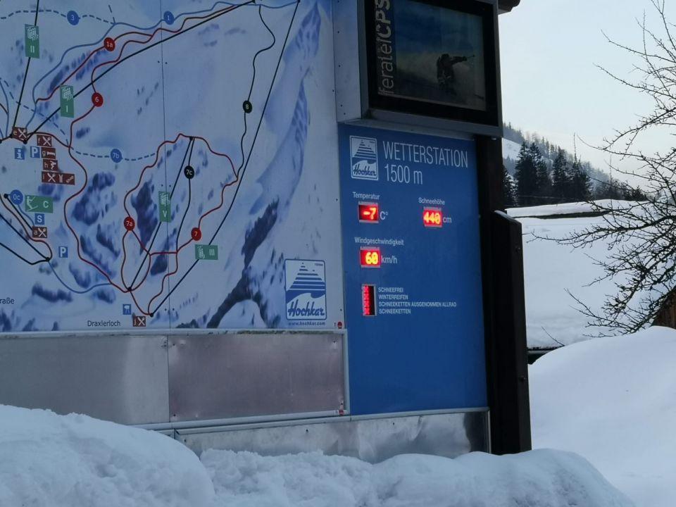 Für die letzte Teilstrecke hieß es nun Schneeketten anlegen und nach einer kurzen Stärkung geht es an das Schnee schaufeln.#khd #hochkar