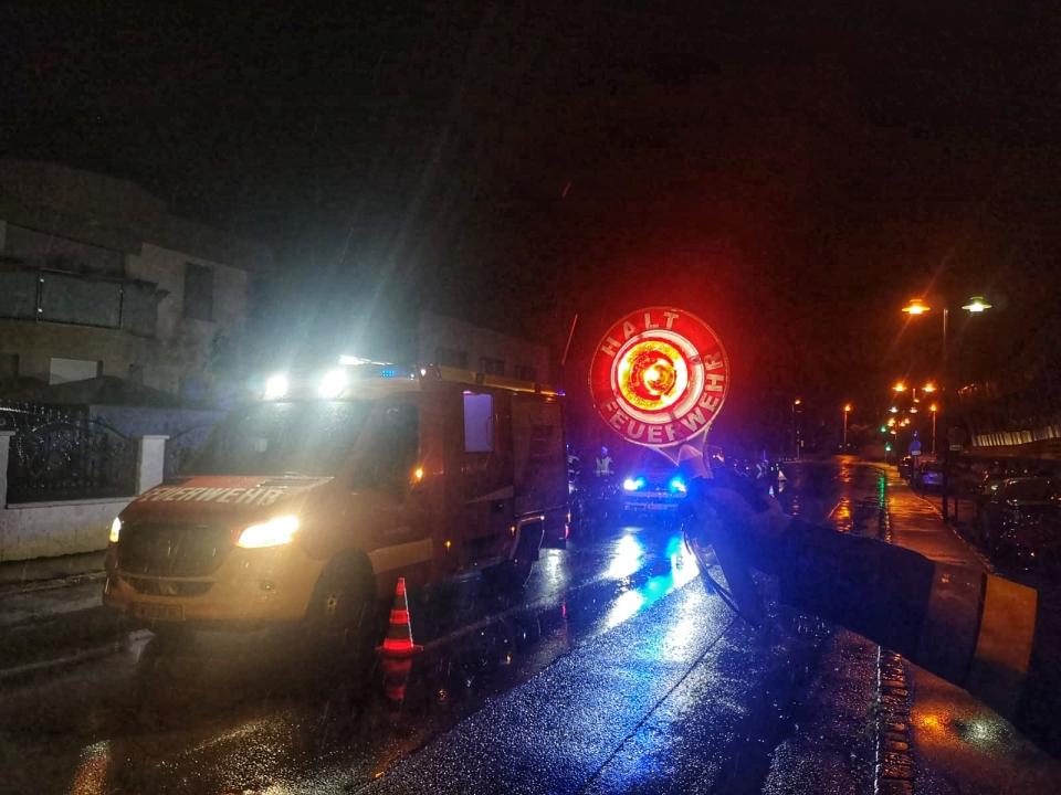 +++ Auspumparbeiten +++<br /><br />Am 23.05.2020 um 21:35 Uhr wurden wir zu Auspumparbeiten bei einem Wohnhaus in der Maria Lanzendorferstrasse alarmiert.