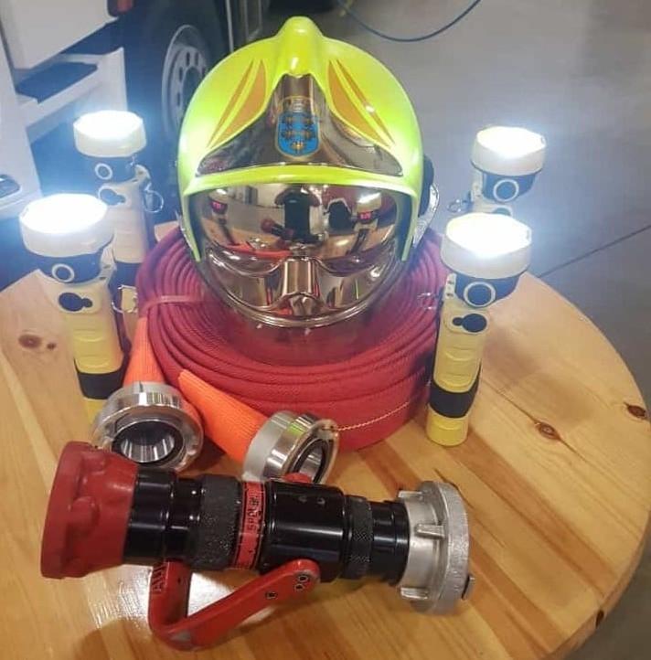 Advent, Advent das vierte Lichtlein brennt. Die Feuerwehr Leopoldsdorf wünscht euch allen, durch die Kameraden der Zeugmeisterei, einen schönen und vor allem ruhigen Advent. P.S.: Nicht vergessen die Kerzen ausblasen